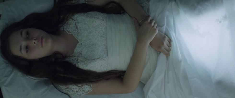 Selma en jeune mariée dans le film Mustang