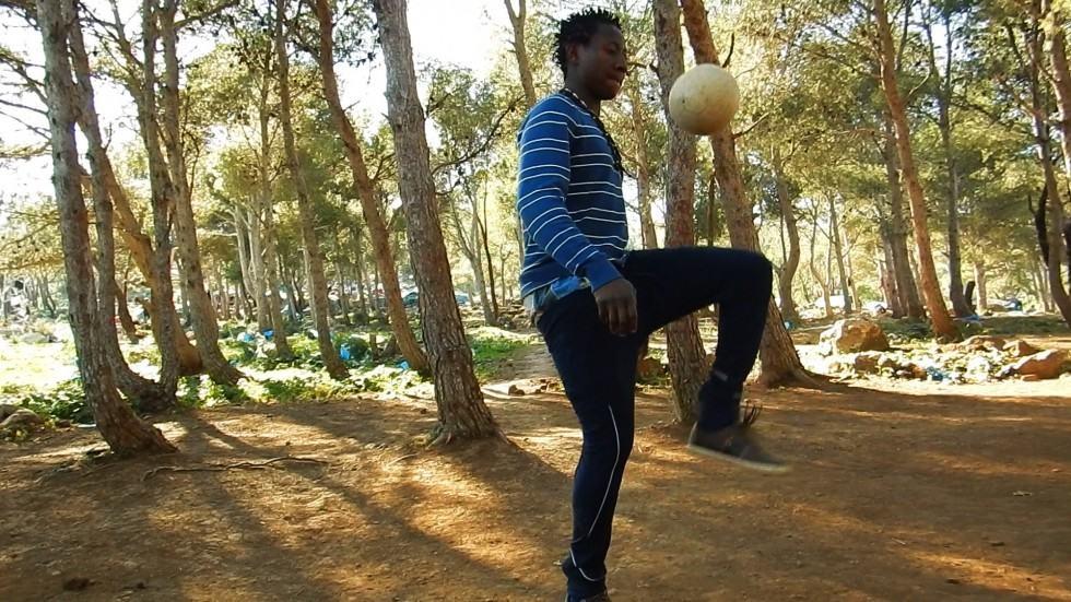 Sidibé joue au football dans le film Les Sauteurs