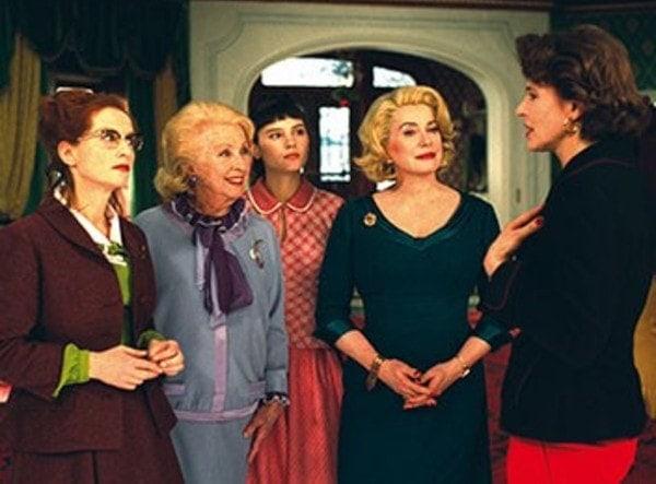 Une partie du casting de 8 femmes