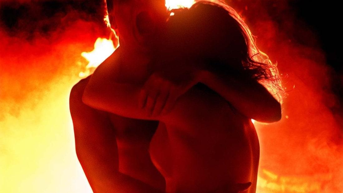 Le couple et le feu dans Alléluia de du Welz