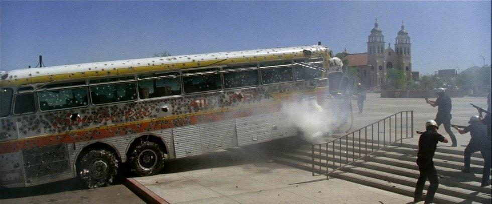 Le Bus dans l'épreuve de force