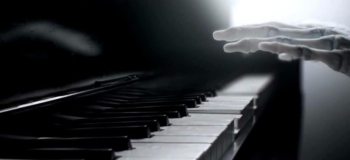 Le piano dans le générique de Westworld