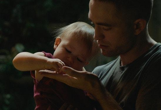 Robert Pattinson et le bébé dans High Life de Claire Denis