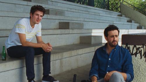 Vincent Lacoste et Jonathan Cohen dans Amanda