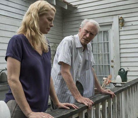 Clint Eastwood et sa fille Alison Eastwood dans La Mule