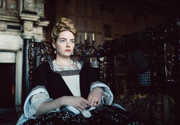 Emma Stone dans la Favorite de Yorgos Lanthimos