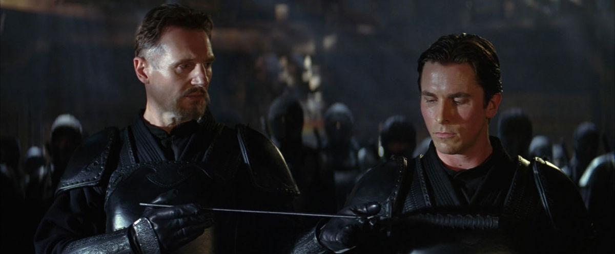 Christian Bale et Liam Neeson dans Batman Begins