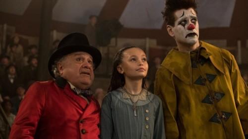 Holt, Milly et Max ébahit devant Dumbo