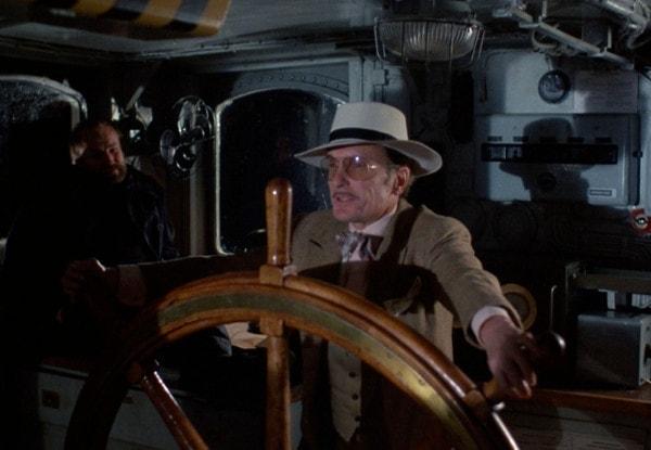 Robert Duvall à la barre du bateau phare