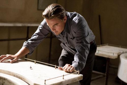 Leonardo DiCaprio et sa toupille dans Inception