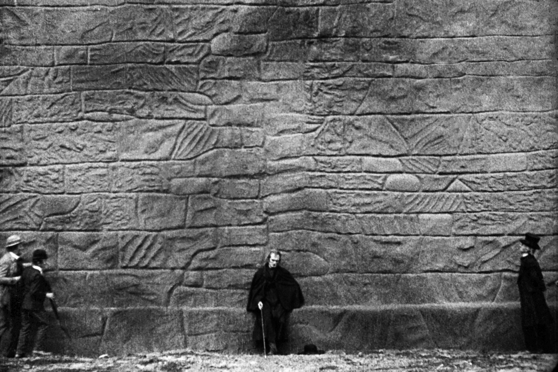Le mur des Trois lumières de Fritz Lang