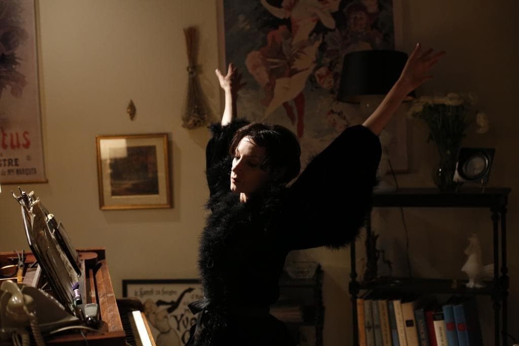 Jeanne Balibar l'aigle noir murnalcien dans Barbara