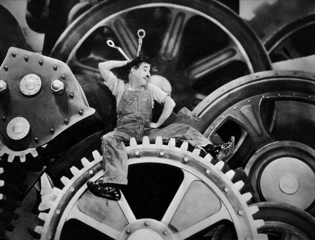 Charlie Chaplin dans Les Temps Modernes