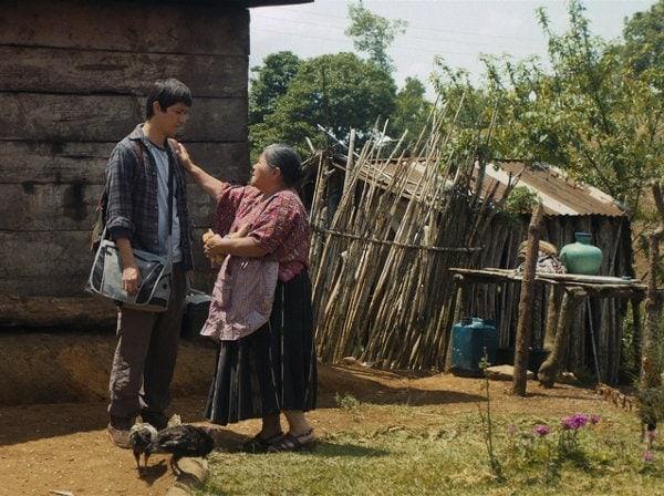 Ernesto rend visite à Nicolasa dans Nuestras madres
