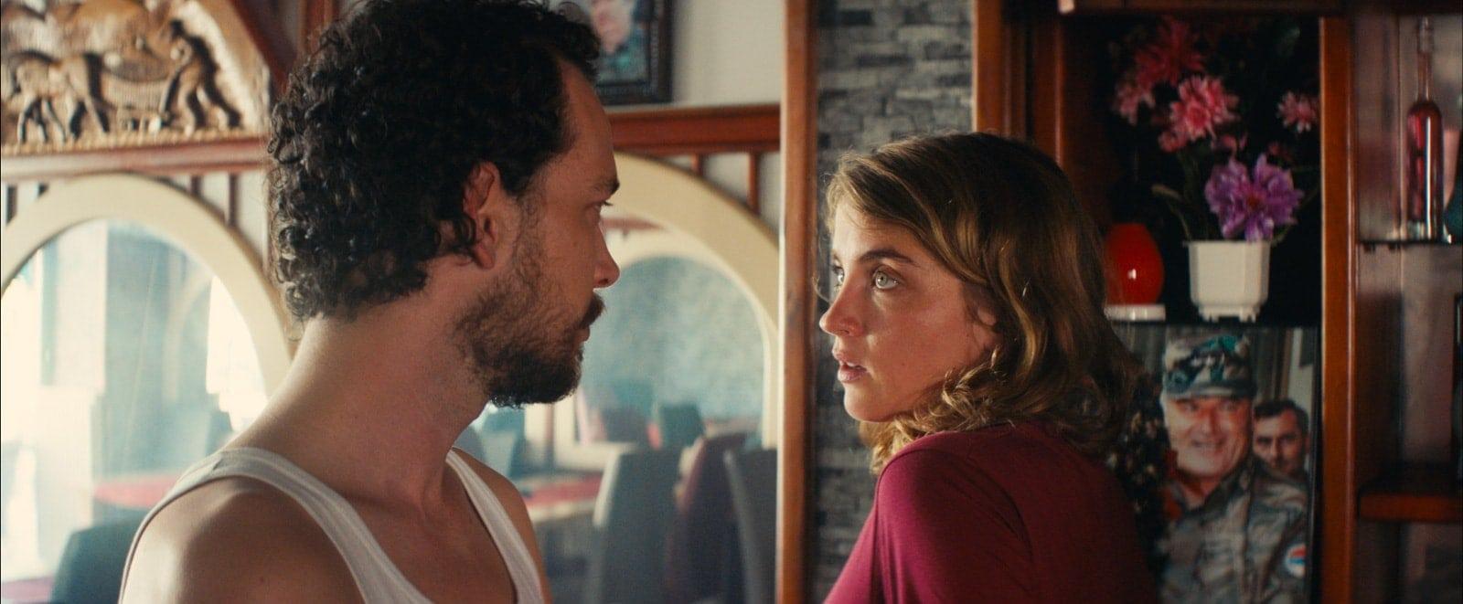 Jonathan Couzinié et Adèle Haenel dans Les Héros ne meurent jamais