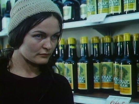 Anne Raitt dans Bleak Moments