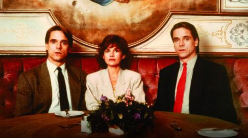 Les deux Jeremy Irons et Geneviève Bujold dans Faux-Semblants (Dead Ringers)