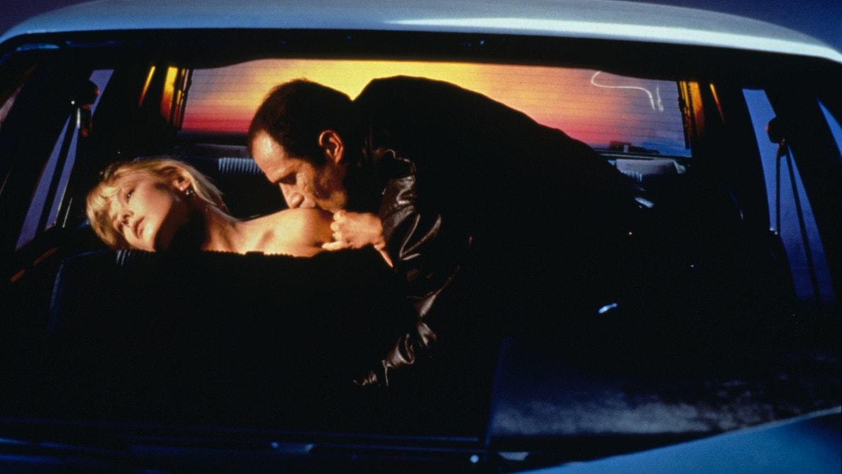 Elias Koteas et Rosanna Arquette font l'amour dans Crash