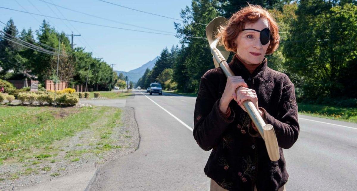 Nadine avec sa pelle dans Twin Peaks : The Return