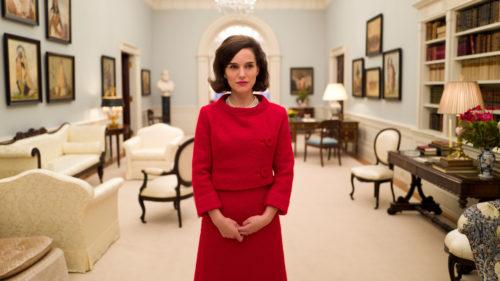 Jackie (Nathalie Portman) à la maison blanche dans Jackie