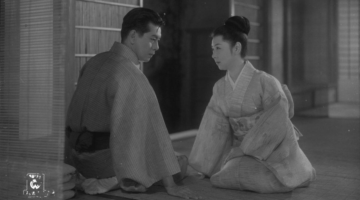 Oyu Kayukawa (Kinuyo Tanaka) avec son mari dans Miss Oyu
