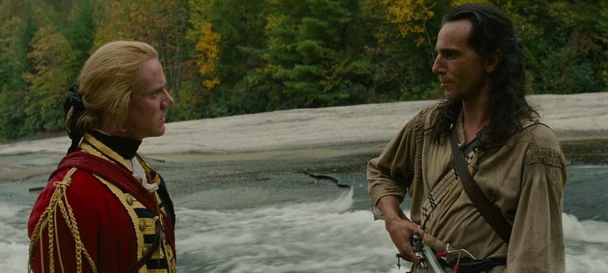 Hawkeye (Daniel Day-Lewis) et le major Duncan Heyward (Steven Waddington) dans Le Dernier des Mohicans
