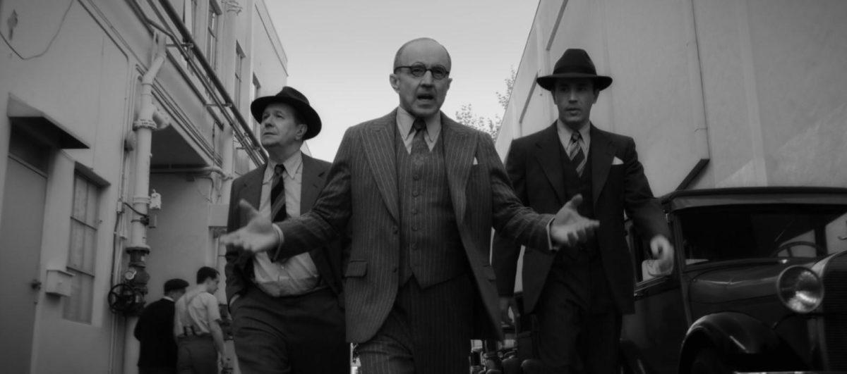 Mank (Gary Oldman) dans les pas de Louis B. Mayer (Arliss Howard) dans Mank
