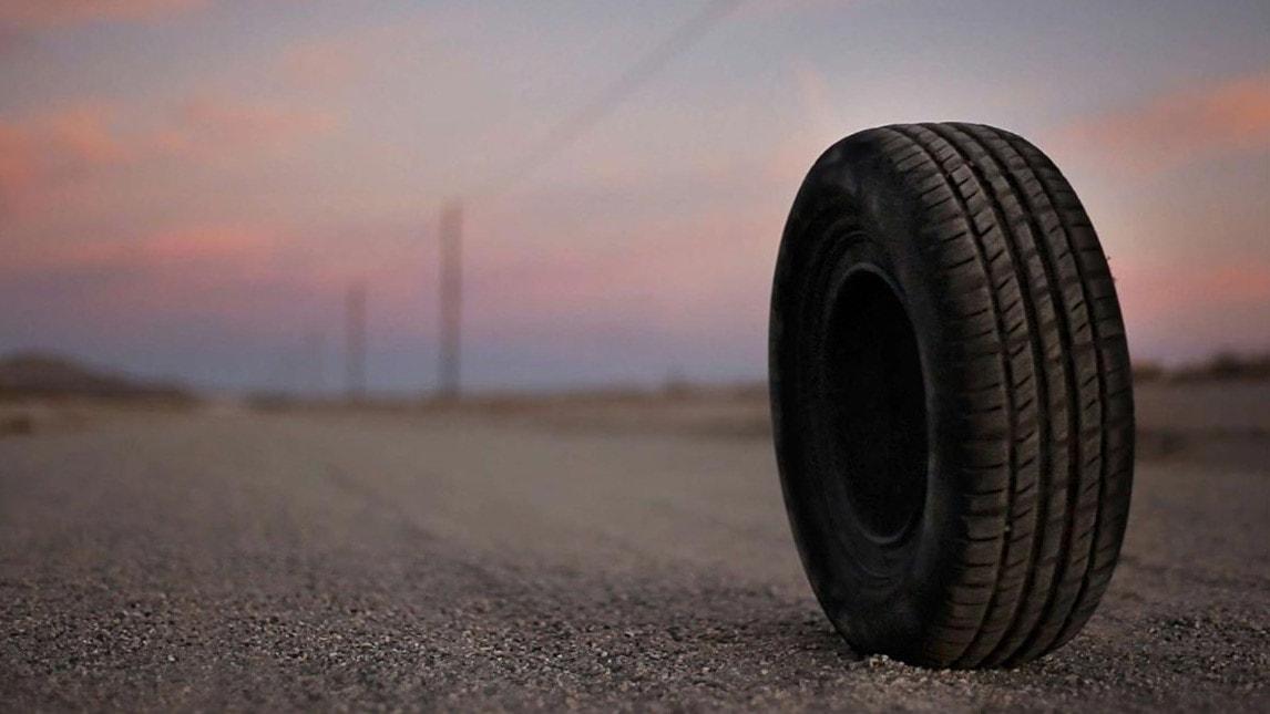Le pneu tueur dans Rubber