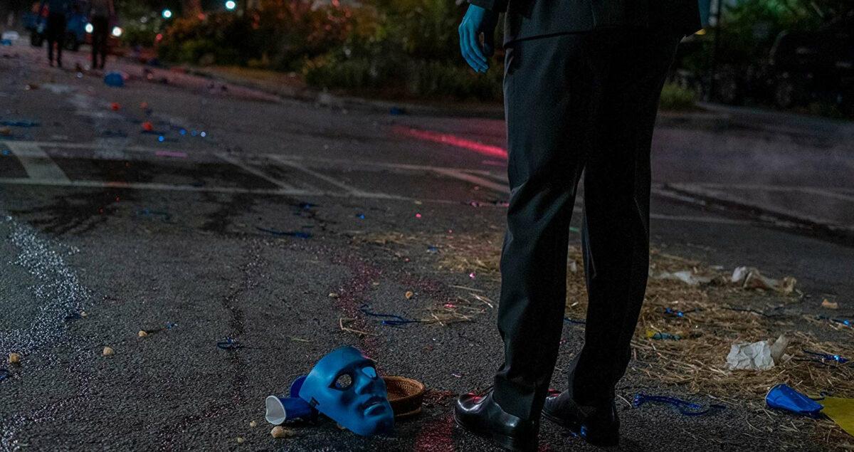 Le masque bleu du Dr Manhattan dans la série Watchmen
