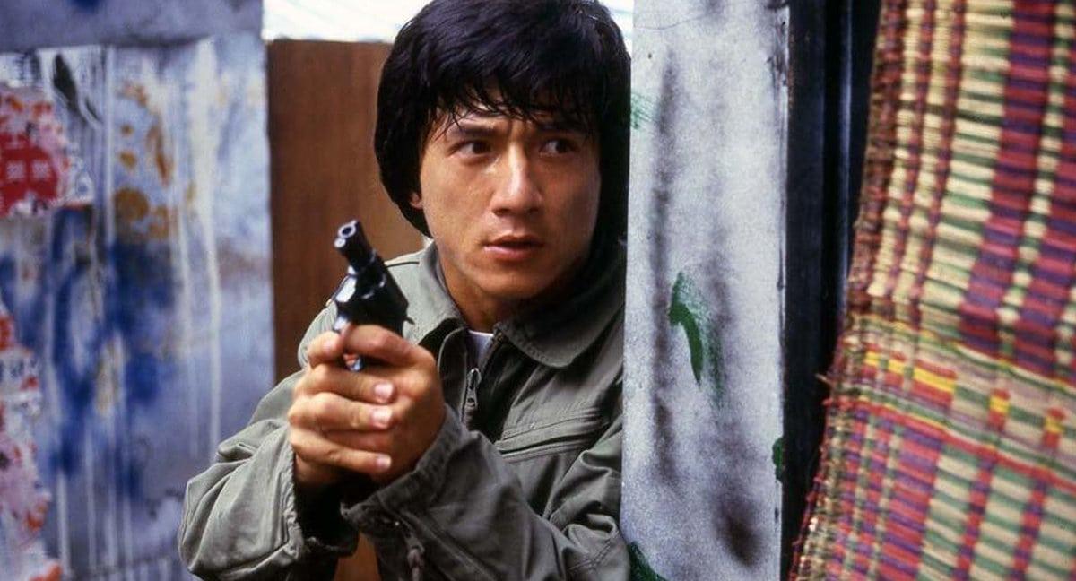 Jackie Chan dans la scène d'ouverture de Police Story